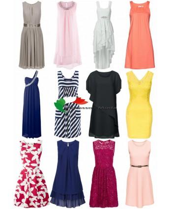 Le donne vestono pacchetto misto